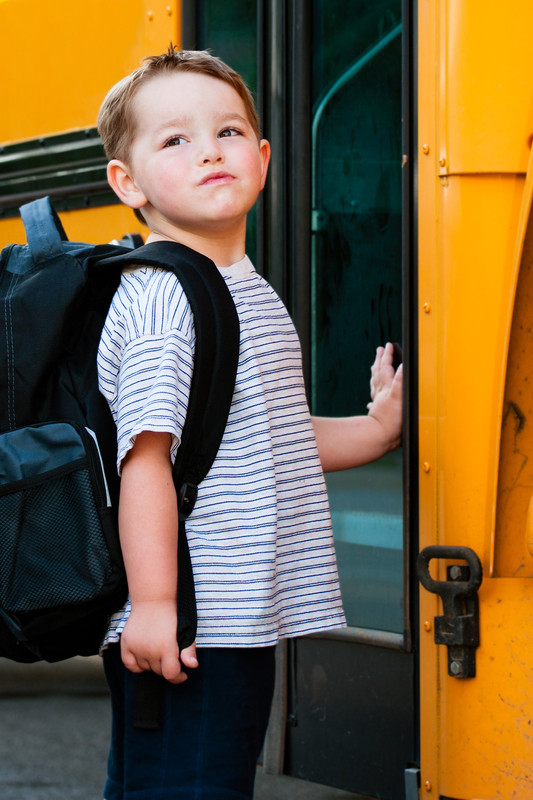 boy-bus_canstockphoto10313566