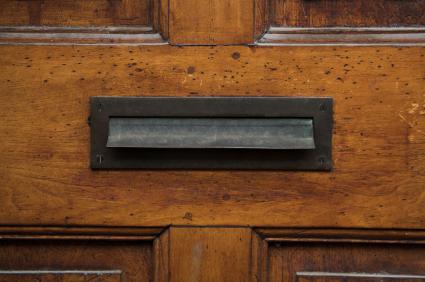 mail-slot-iStock_000005284840XSmall